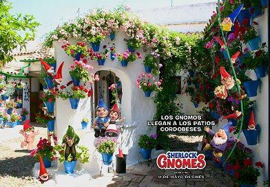 Sherlock Gnomes llegan a los patios