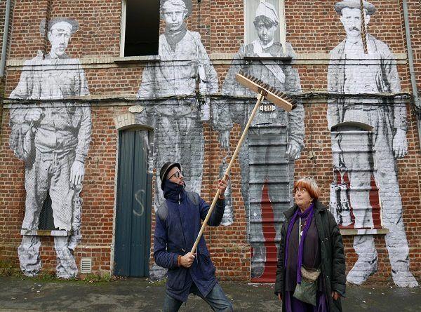 Crítica de Caras y Lugares dirigida por Agnès Varda y JR