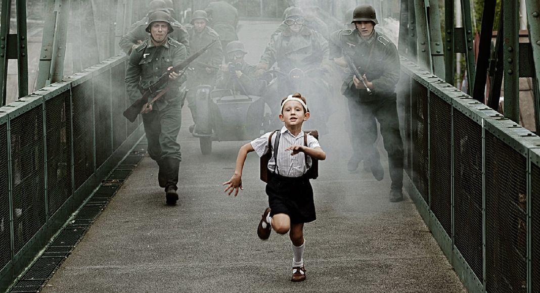 Image result for lejos de praga cine