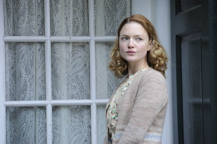 Holliday Grainger en El secreto de las abejas